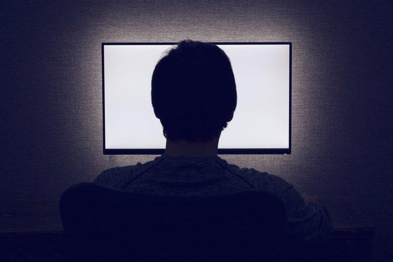 Intelektinės nuosavybės apsaugos centro (INAC) duomenimis, 2020 m. pradžioje audiovizualinio sektoriaus rinkoje pirataujaapie 75,60 proc.interneto vartotojų ir tik 24,40 proc.interneto vartotojų naudojasi legaliais šaltiniais (nuotr. 123rf.com)