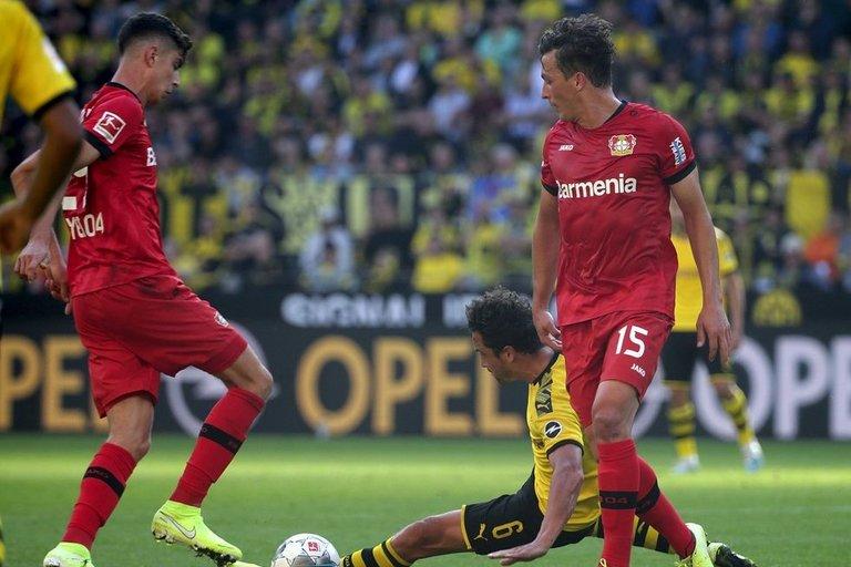 """Borussia"" ir ""Bayer"" rungtynių akimirka (nuotr. SCANPIX)"