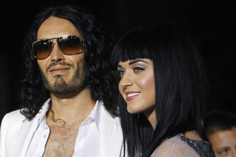 Katy Perry ir Russell Brand (nuotr. SCANPIX)