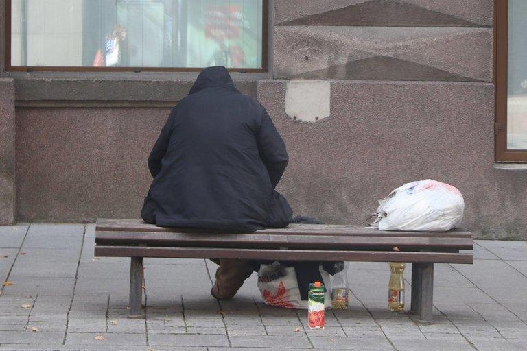 Beveik pusė vyresnio amžiaus žmonių Lietuvoje patiria socialinės atskirties ir skurdo riziką. Sigitos Inčiūrienės nuotr.