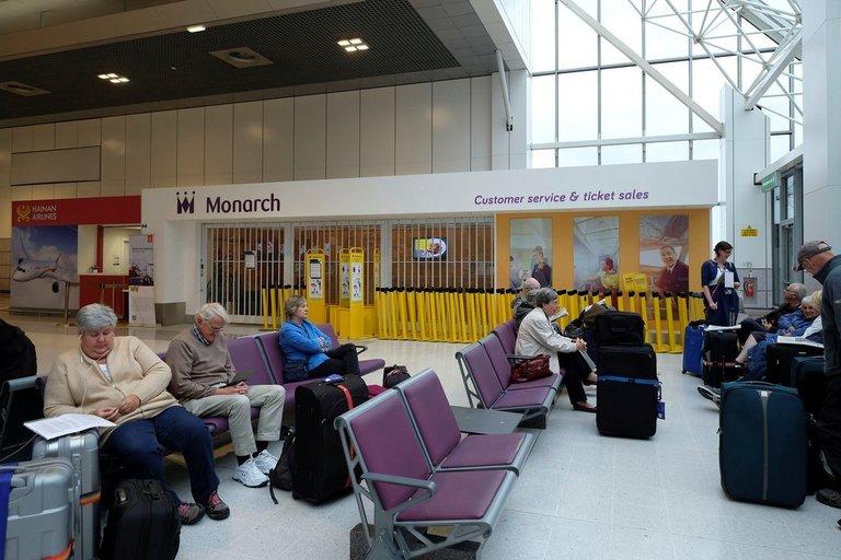 Bankrutavo didžiausia Britanijos oro linijų bendrovė: daugiau nei 100 tūkst. keleivių negali grįžti namo (nuotr. SCANPIX)