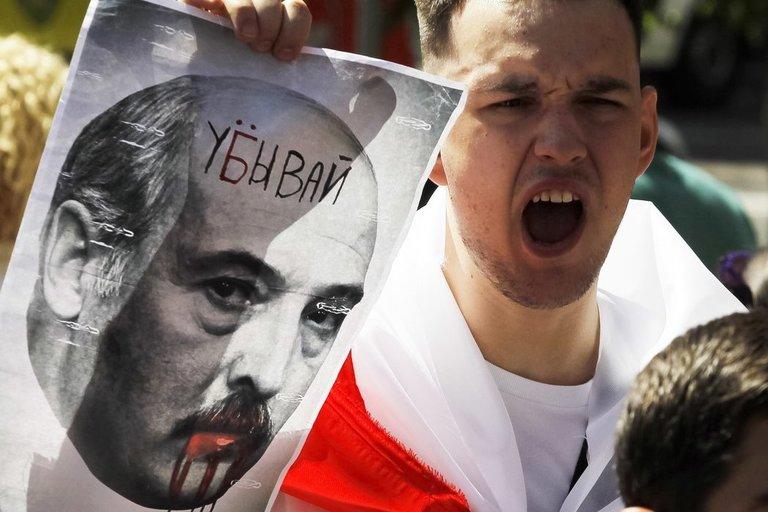 Minskas tokios minios dar nematė – šimtatūkstantinis maršas reikalavo laisvės ir Lukašenkos pasitraukimo (nuotr. SCANPIX)