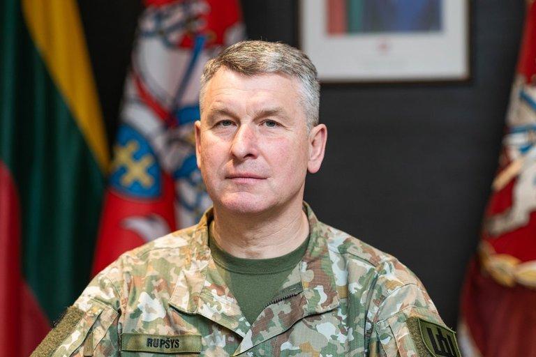 Kariuomenės vadas,generolas leitenantas Valdemaras Rupšys