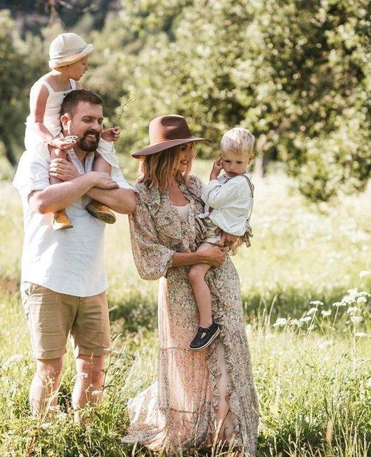 K. ir D. Zvonkai su vaikais (nuotr. Dobiliuko foto)