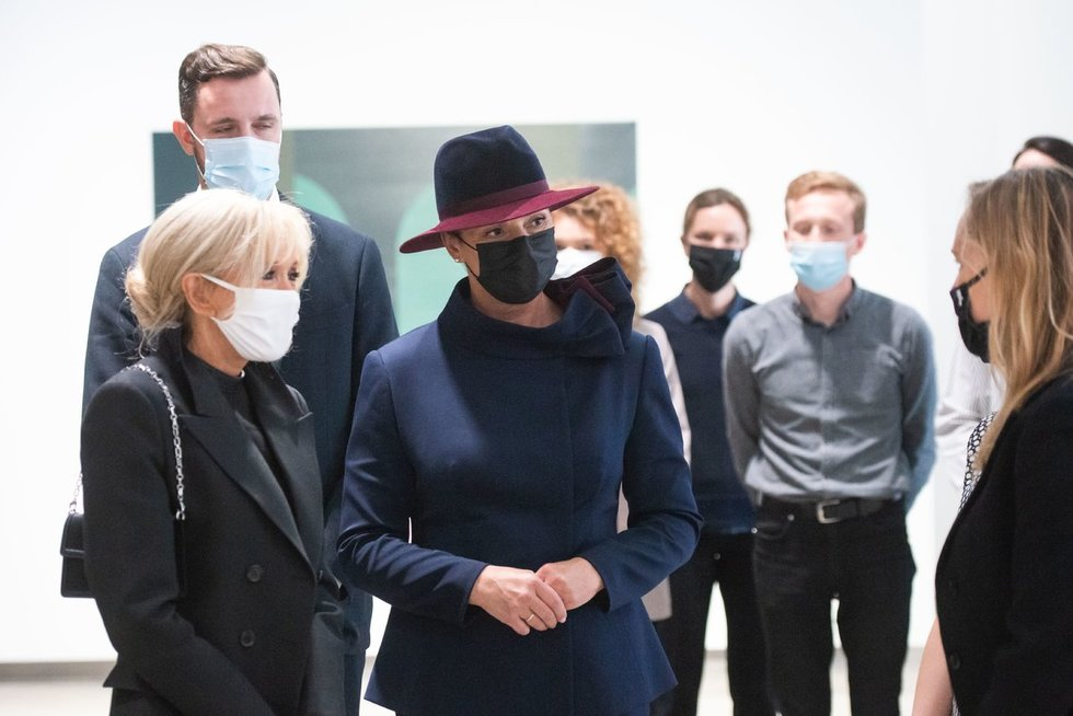 Diana Nausėdienė ir Brigitte Macron lankėsi MO muziejuje