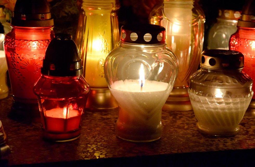 Venkite stiklinių žvakių