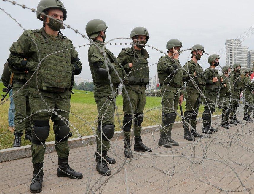 Rugpjūčio 23 d. protestas Minske (nuotr. Scanpix)