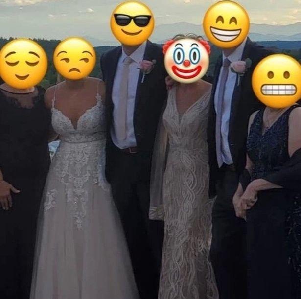 Moteris į sūnaus vestuves atvyko pasipuošusi balta suknele (Nuotr. Reddit)
