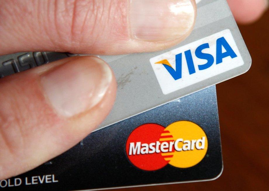 """Mastercard"" ir ""Visa"""