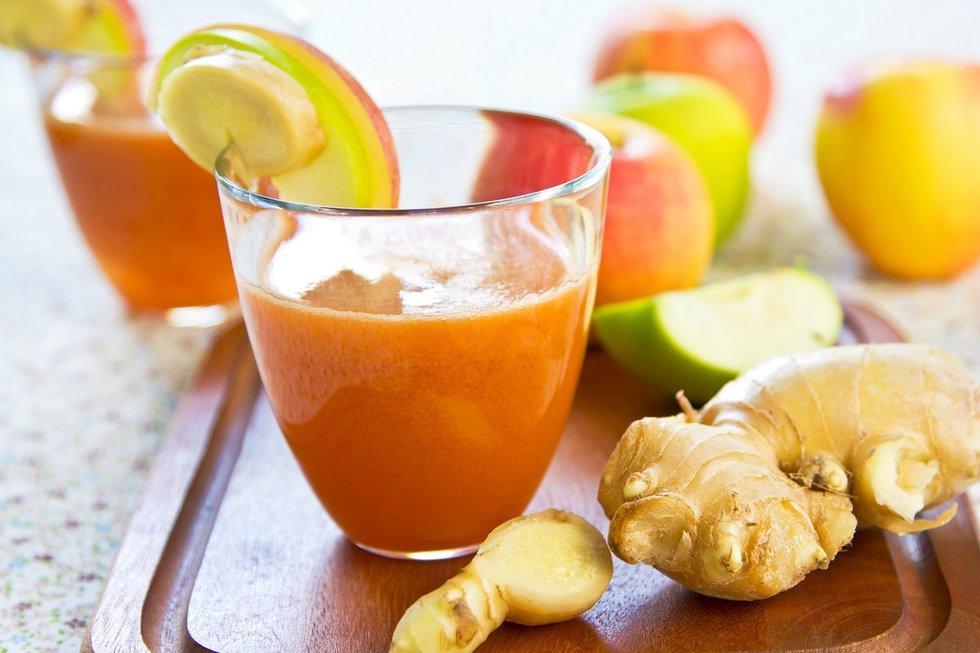 Imbierinis obuolių glotnutis. Shutterstock nuotr.