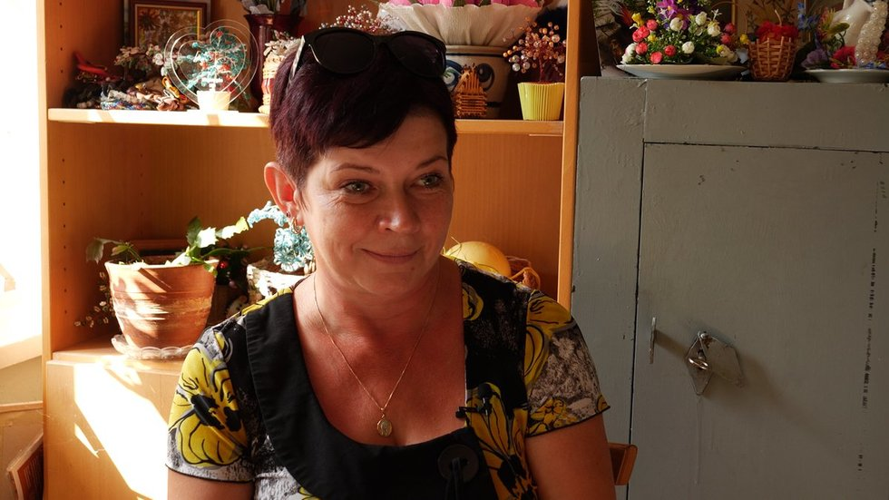 Vilniaus miesto neįgaliųjų draugijos narė Ona Kiržgalvienė. Vaizdo reportažo stopkadras.