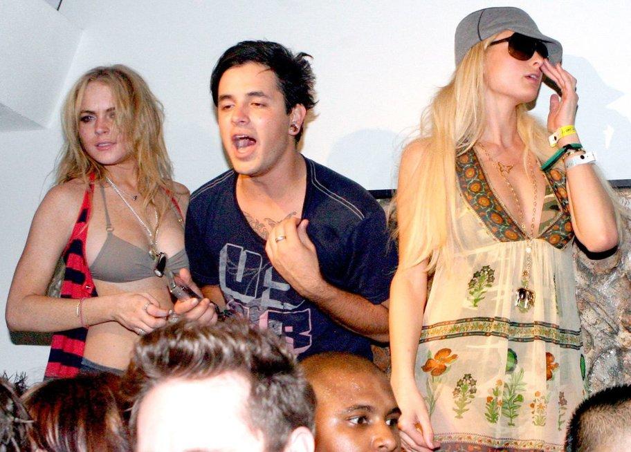 Lindsay Lohan ir Paris Hilton vakarėlyje