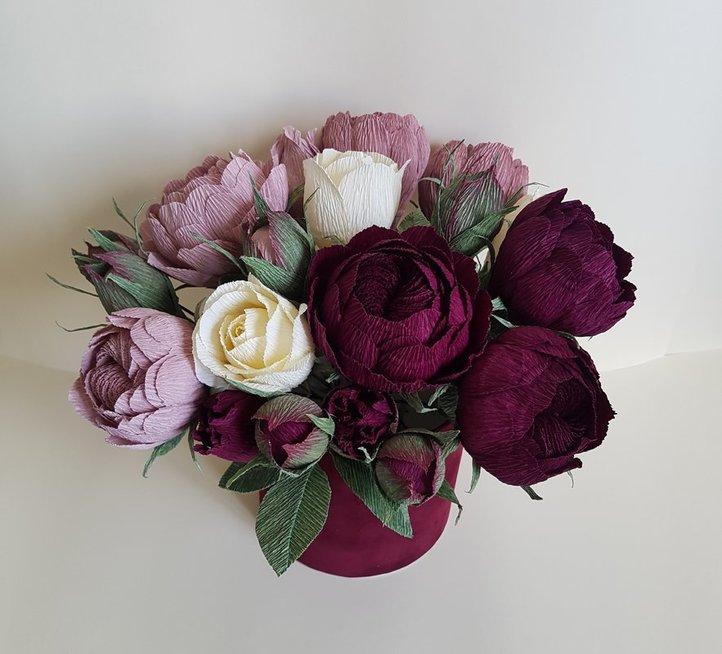 Eretos kuriamos popierinės gėlės
