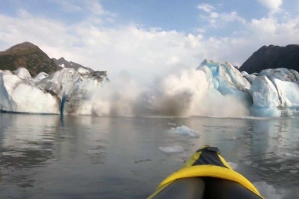 Pavojinga kelionė Aliaskoje (nuotr. stop kadras)