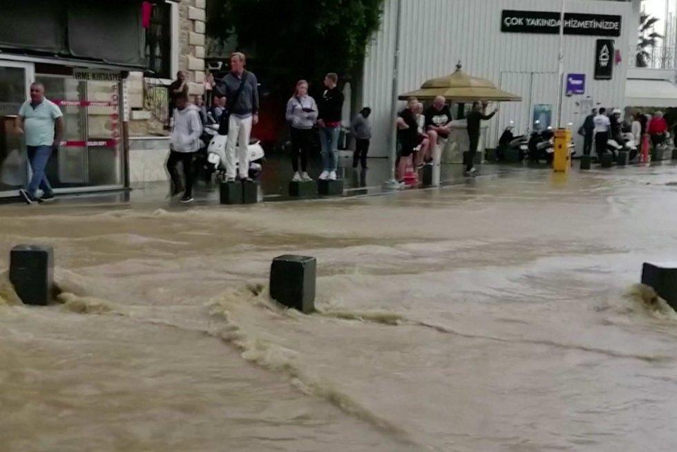 Potvynis Turkijoje (nuotr. stop kadras)