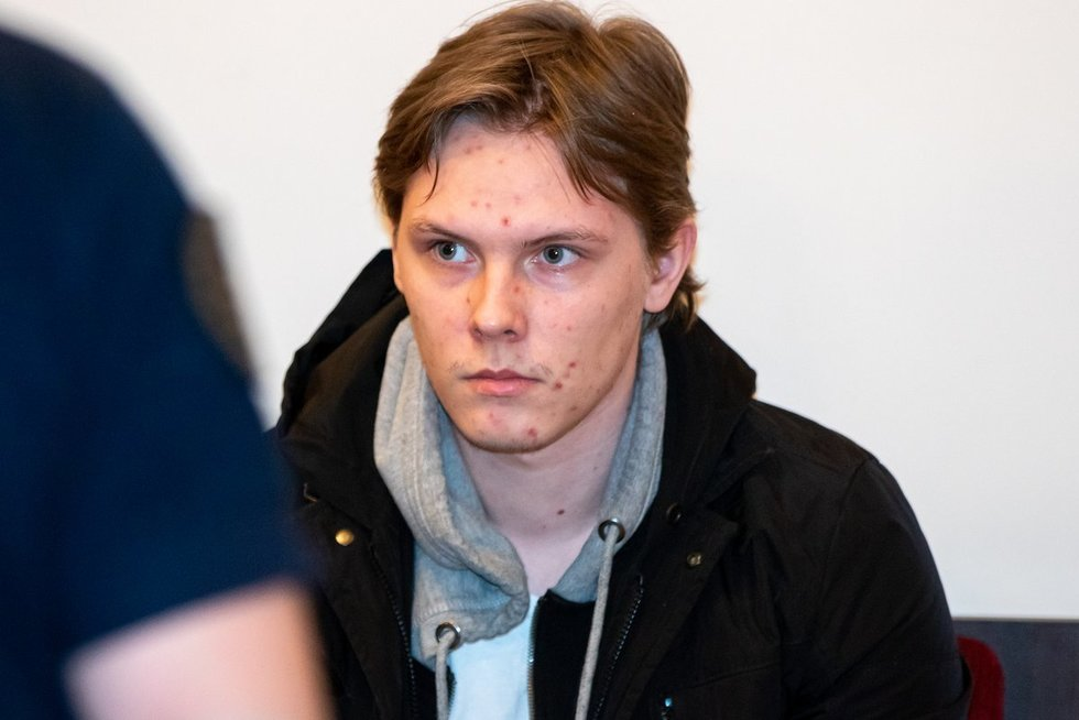 Į teismą atvestas Vilniuje biurų kvartalą susprogdinti bandęs Gediminas Beržinskas (nuotr. Broniaus Jablonsko)
