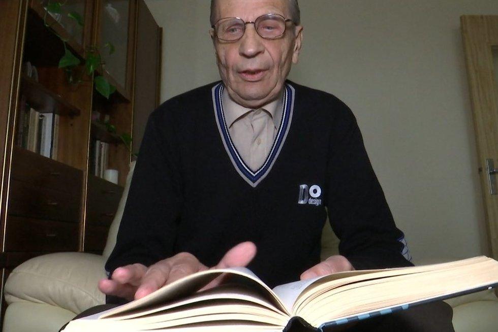 455 eurus gaunantis senjoras sako, kad norint gyventi reikėtų bent 700 pensijos (nuotr. stop kadras)