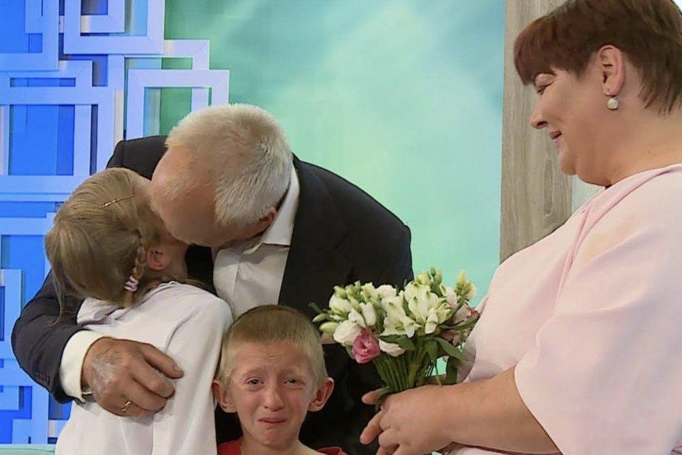 Be pastogės liko vienuolikos vaikų šeima: prašo pagalbos
