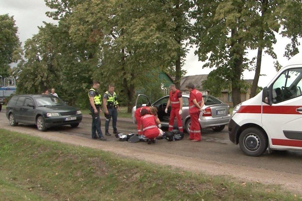 Automobilio vairuotojas mirė prie vairo (nuotr. stopkadras)