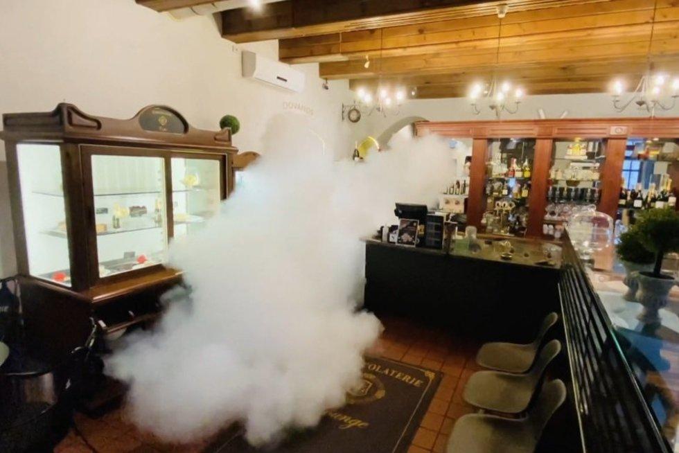 Įmonės patalpas dezinfekuoja kitaip: pasakė, kuo dezinfekcinis rūkas pranašesnis