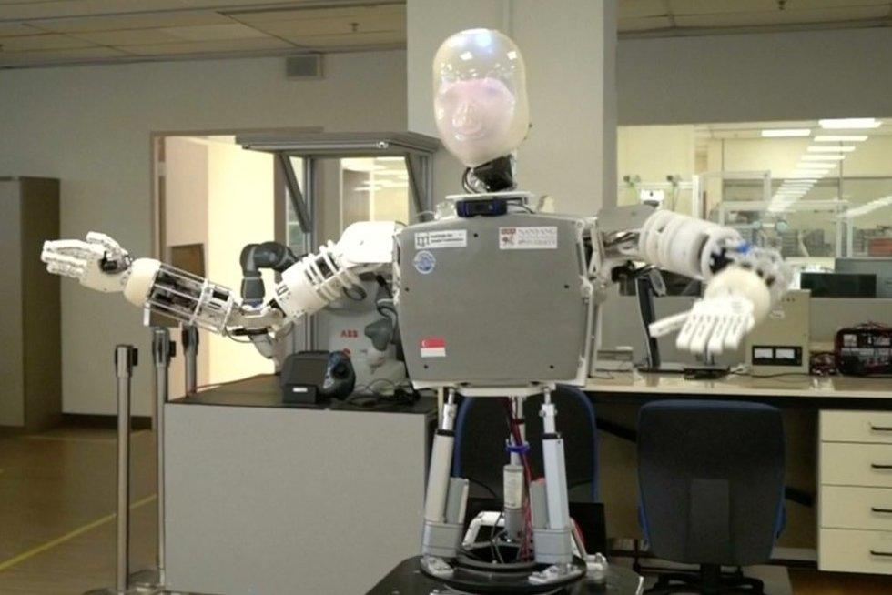 Robotas (nuotr. stop kadras)