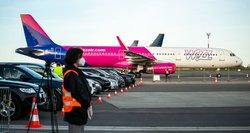 Svarbu keliaujantiems: šiose oro linijose su medžiagine kauke į lėktuvą nepateksite