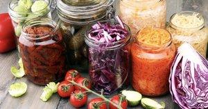 Konservuotos daržovės (nuotr. Shutterstock.com)