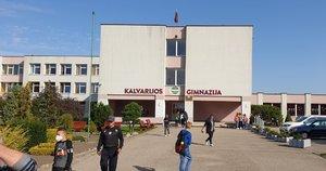 Detektyvas Kalvarijos gimnazijoje. Komunalininkai kaltina gimnaziją vogus vandenį (nuotr. stop kadras)