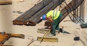 Statybų darbuotojas  (nuotr. Fotodiena.lt)
