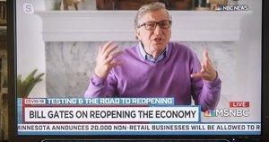 """Billas Gatesas papasakojo, ką galvoja apie masinio """"čipavimo"""" gandus (nuotr. SCANPIX)"""