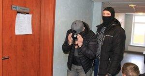 Į teismą atvedė įtariamuosius (nuotr. Broniaus Jablonsko)