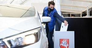 """Vilniuje atidarytas """"drive-in"""" balsavimo punktas (nuotr. Fotodiena/Justino Auškelio)"""