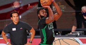 """""""Celtics"""" sušvelnino serijos  rezultatą. (nuotr. SCANPIX)"""
