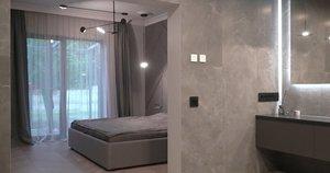 Interjero dizainerė įsileido į savo namus: miegamasis ir vonia čia tarsi vienas kambarys