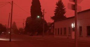 Vidudienį lauke – apokaliptiniai vaizdai: išvydę gyventojai nustėro (nuotr. stop kadras)