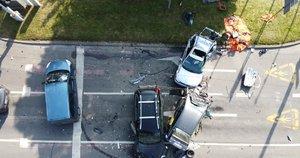 Tragiškai pasibaigusi masinė avarija Vilniuje: susidūrė 5 automobiliai, žuvo žmogus (nuotr. Broniaus Jablonsko)