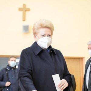 """Grybauskaitė: """"Nebalsavau už tuos, kurie ketverius metus užsiėmė priešų paieška ir draudimais"""""""