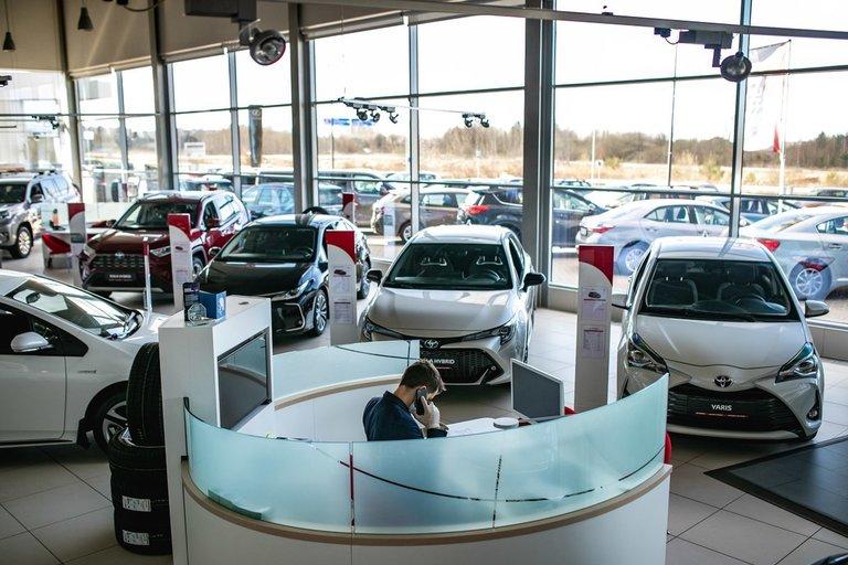 Automobilių salonas (bendrovės nuotr.)