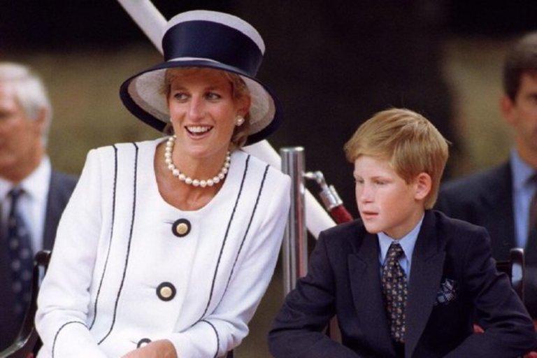 Princesė Diana ir princas Harry (nuotr. SCANPIX)