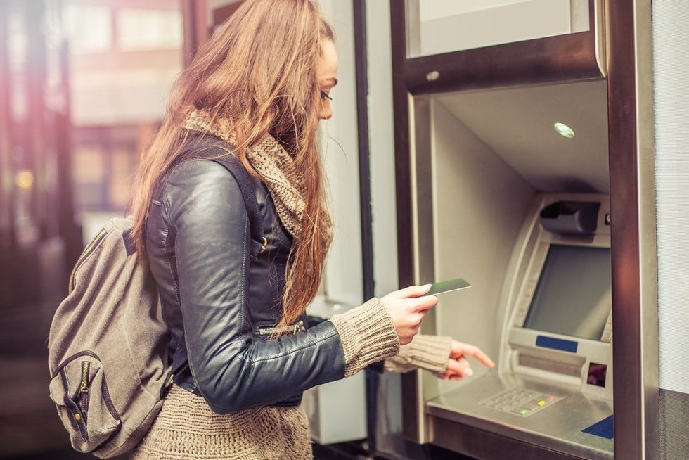 Bankomatas (nuotr. 123rf.com)