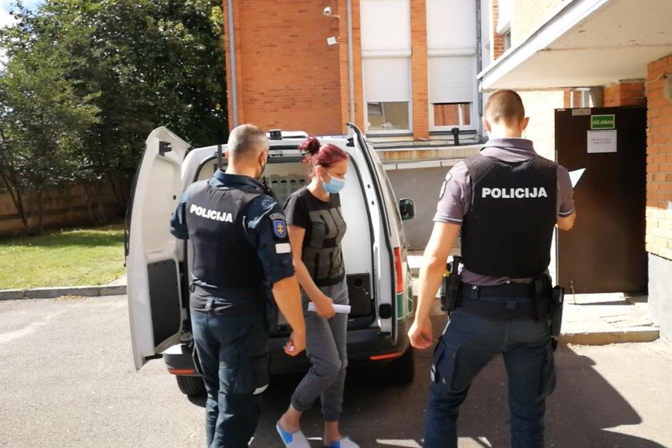 Aiškėja, kaip dukra padegė savo motiną: senolė Kauno klinikose – būklė sunki (stop kadras)