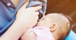 Ką daryti, kai kūdikis nenustoja atpylinėti?