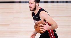 NBA laisvųjų agentų ir mainų chaosas: visi įvykę žaidėjų persikėlimai