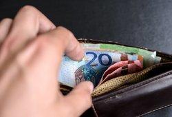 Kritika Šimonytės idėjai vaiko pinigus mokėti ne visiems: teks tikrinti visų pajamas, atsiras sukčiaujančių