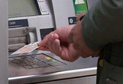 Pinigai už nieką: Vokietijoje laimingieji gaus po 1,2 tūkst. eurų kiekvieną mėnesį