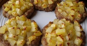 Maltos mėsos krepšeliai su bulvėmis (Nuotr. Baltoje lėkštėje)