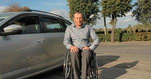 Algimantas Kojis į vežimėlį atsisėdo prieš 20 metų po skaudžios avarijos. Linos Jakubauskienės nuotr.