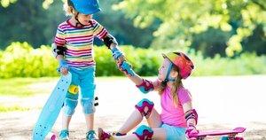 Vaikai su riedlentėmis (nuotr. Shutterstock.com)