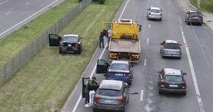 Avarija Vilniuje – susidūrė 3 automobiliai, yra nukentėjusių (nuotr. Broniaus Jablonsko)