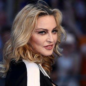 Idiotiška klaida australus privertė galvoti, kad mirė Madonna: soc. tinklus užliejo užuojautos žinutės